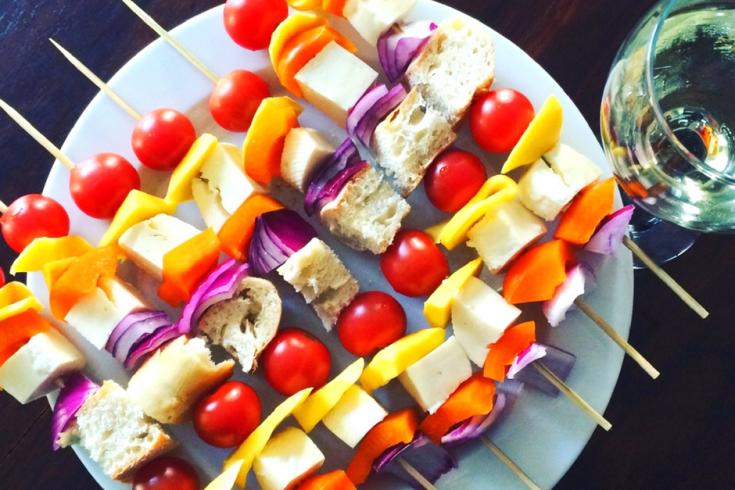 BBQ-Brochettes de légumes, mangue et fromage Dorémi